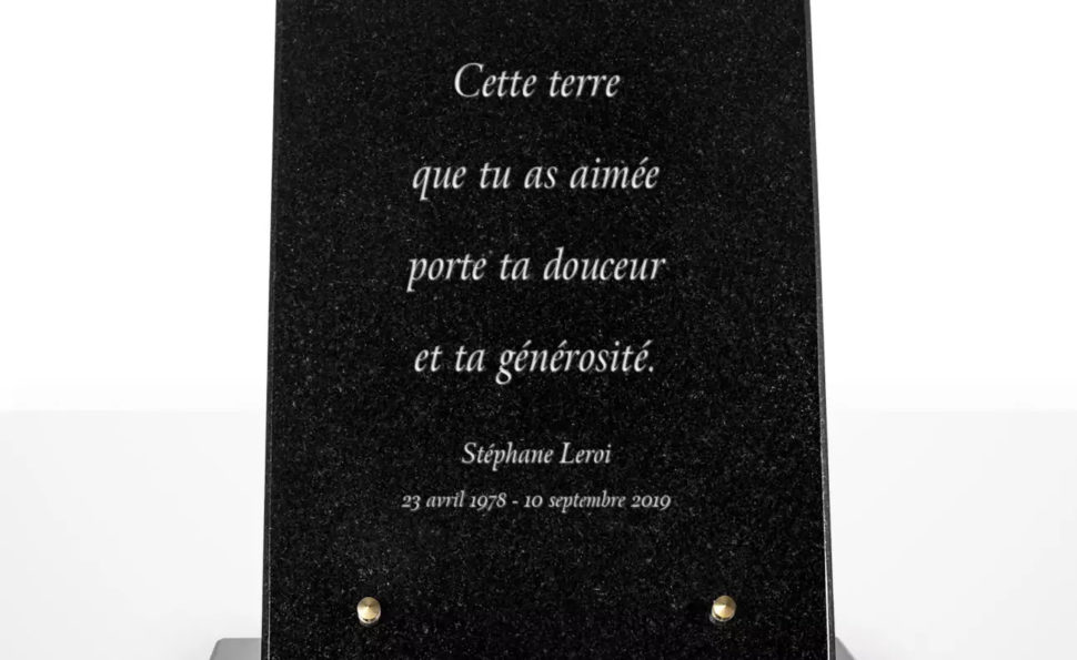 Marquer des bons souvenir avec les plaques funéraires