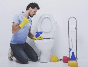 COMMENT DÉBOUCHER DES TOILETTES 8 MÉTHODES POUR DÉBOUCHER MES WC